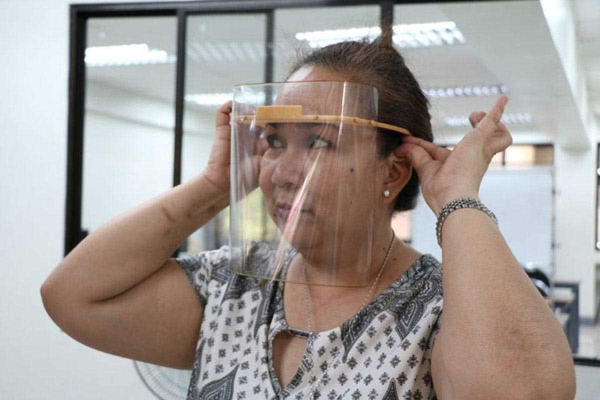 DOTr: Face Shield + Mask Now Required For Commuters; Cites Need For Additional Protection Against COVID-19