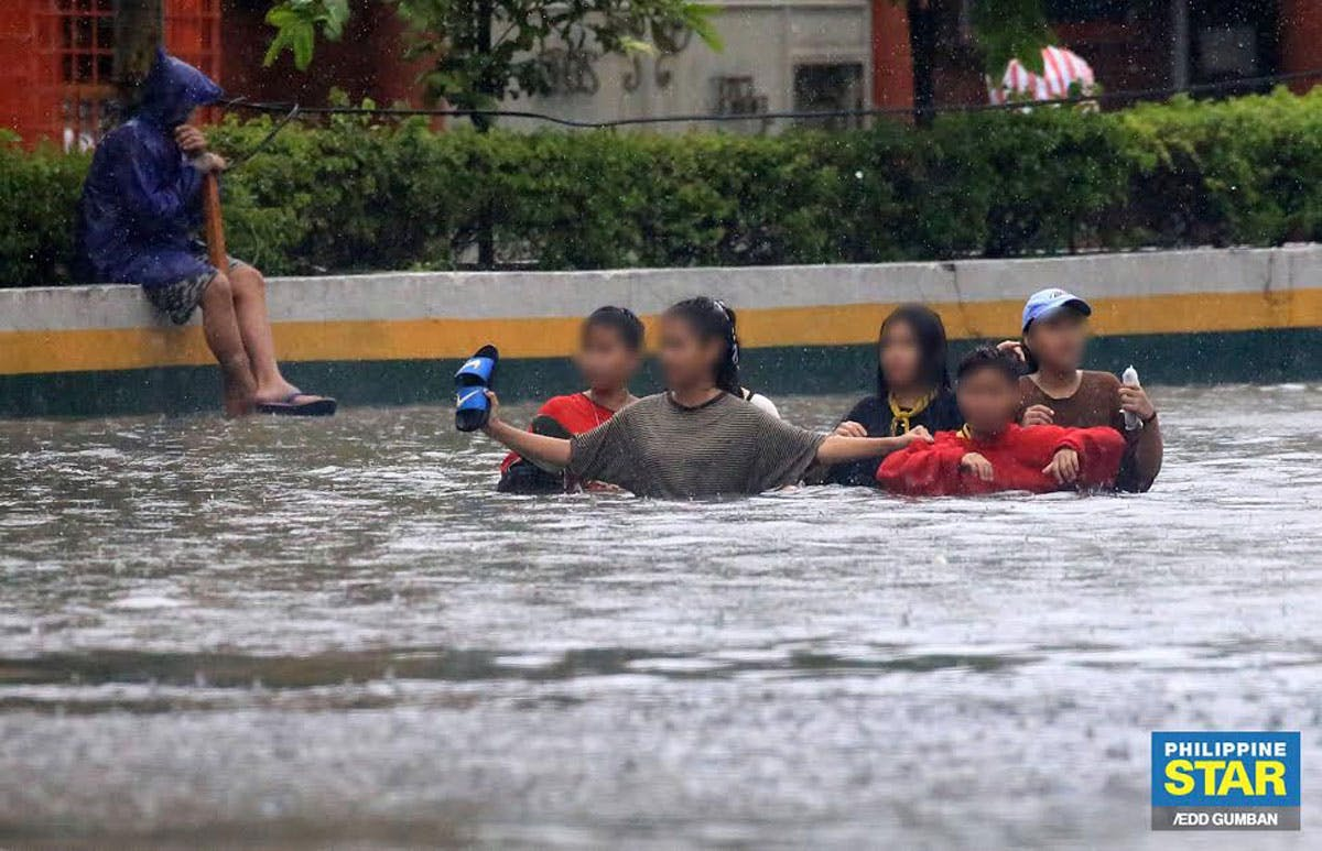 Duterte, Officials Insist Gov't Prepared For Typhoon Ulysses Amid 'Unexpected' Flooding