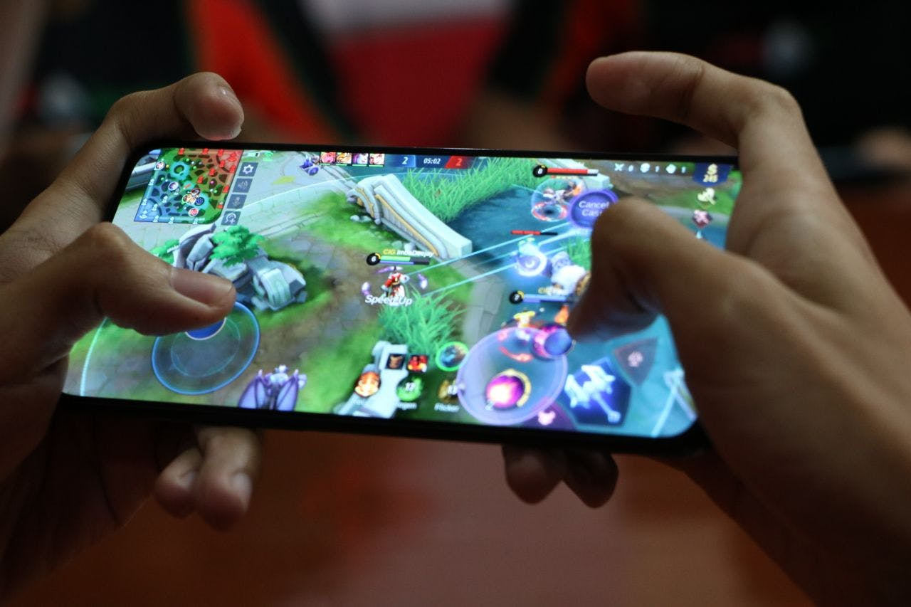 Smart Hosts PH's First 5G-powered Esports Exhibition Match