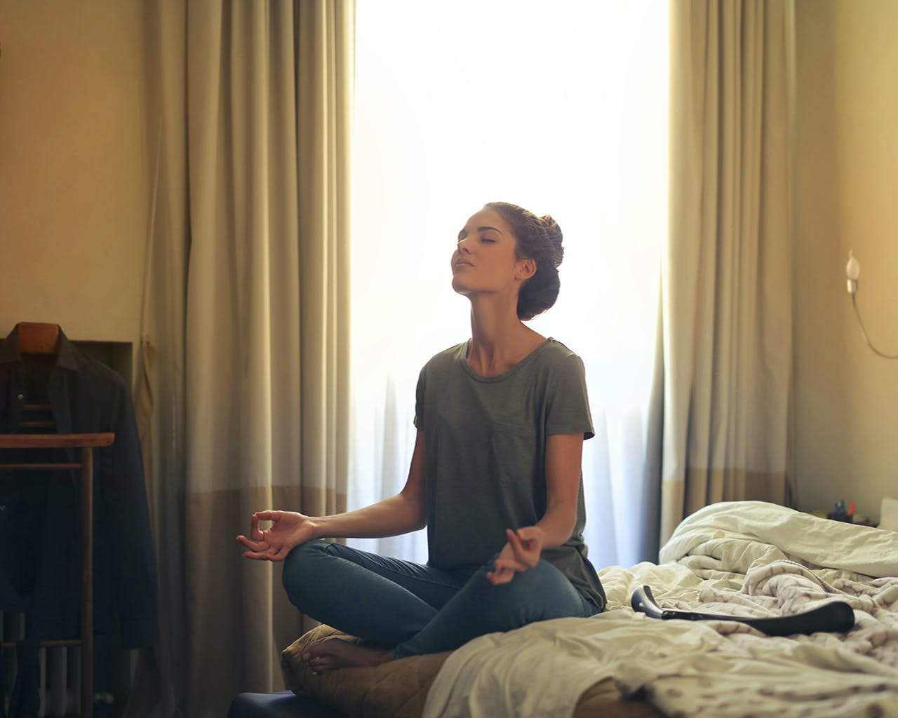 Try These 5 Simple Ways To Calm Yourself Down In Stressful Situations