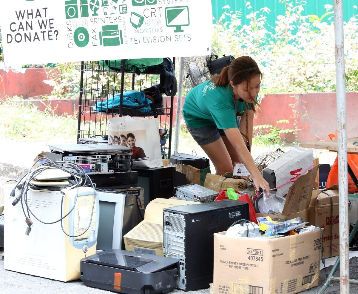 Phl's E-waste Problem: Over 24 M Phones Discarded Yearly by 2021