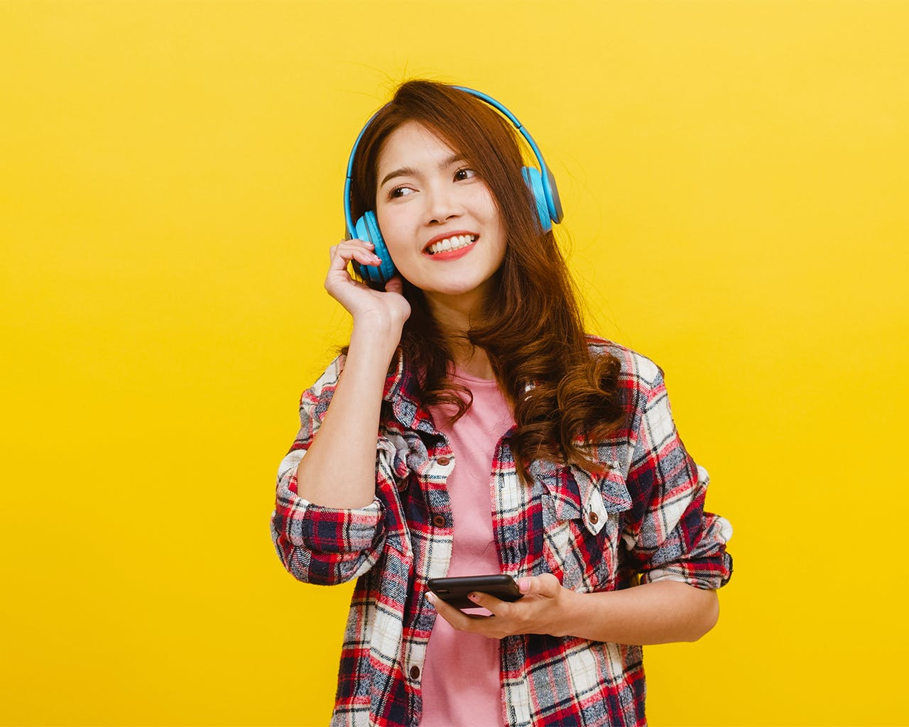 5 Karaoke Phone Apps That Let You Perform Duets With Friends