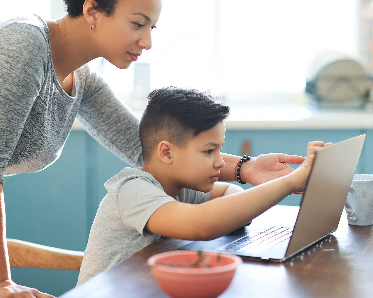 Online Schooling Resources You Should Tap To Prevent Mom Burnout