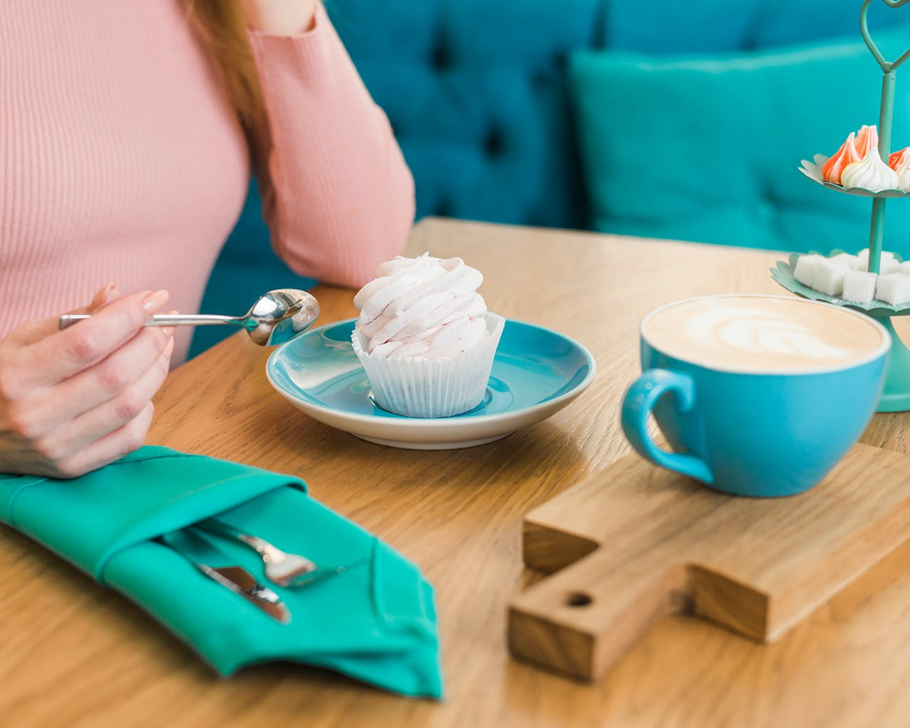 The Benefits Of Low Calorie Sweeteners Over Sugar, According To Those Who Switched